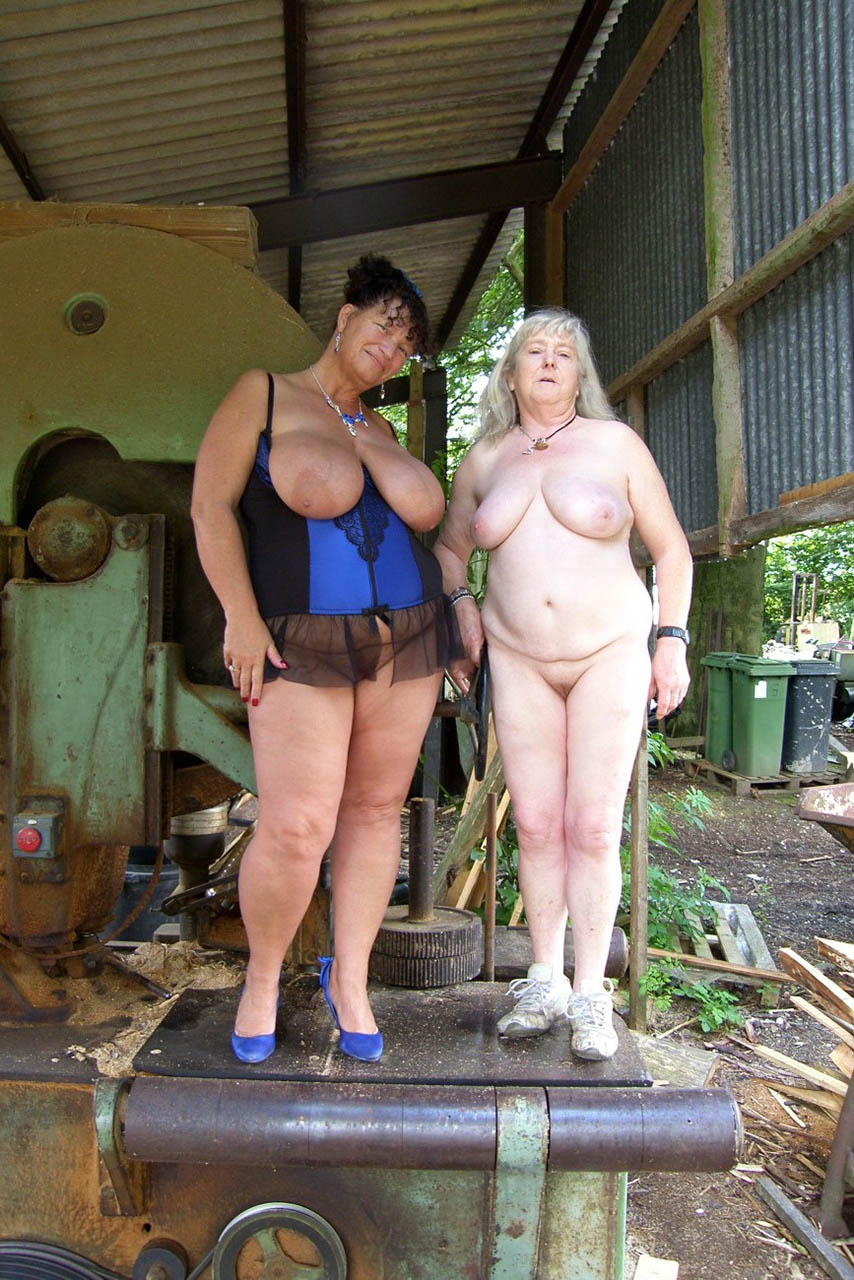 Granny kims beach cum party - 3 5